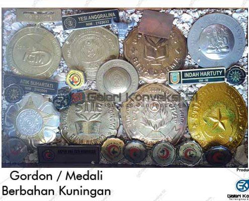 Gordon Medali Wisuda Bahan Kuningan