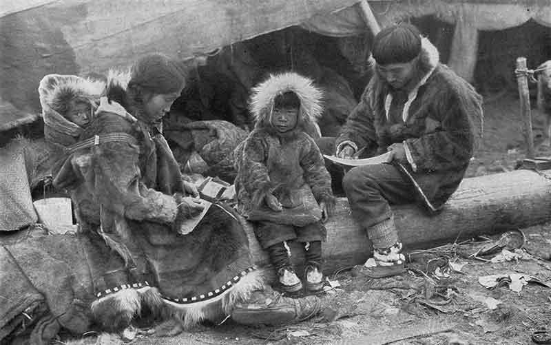 Jaket Parka Anorak Kaum Inuit Eskimo