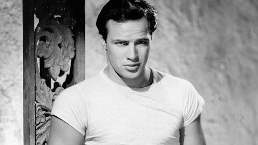 Kaos Yang Dikenakan Marlon Brando