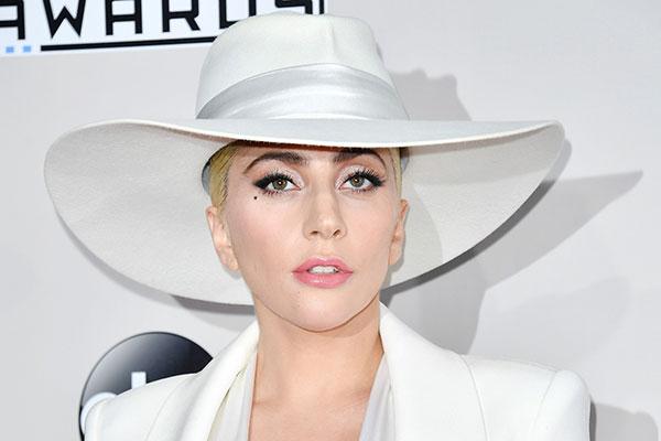 Topi Lady Gaga Custom Gladys Tamez Hat